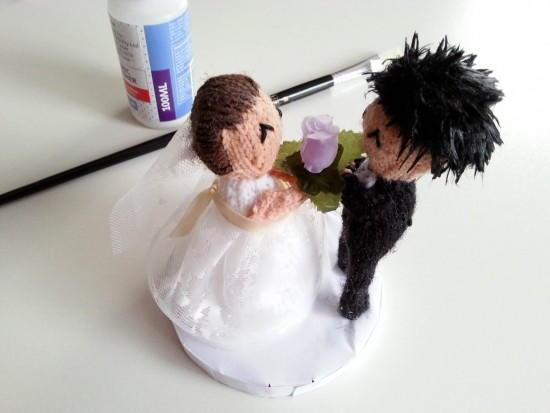 Knitting Cake Toppers : Knitted bride and groom cake topper allfreediyweddings