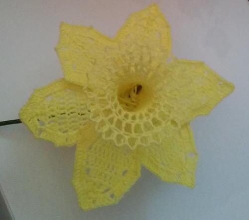 Free Crochet Daffodil Flower Pattern : Daffodil Crochet Flower AllFreeCrochet.com
