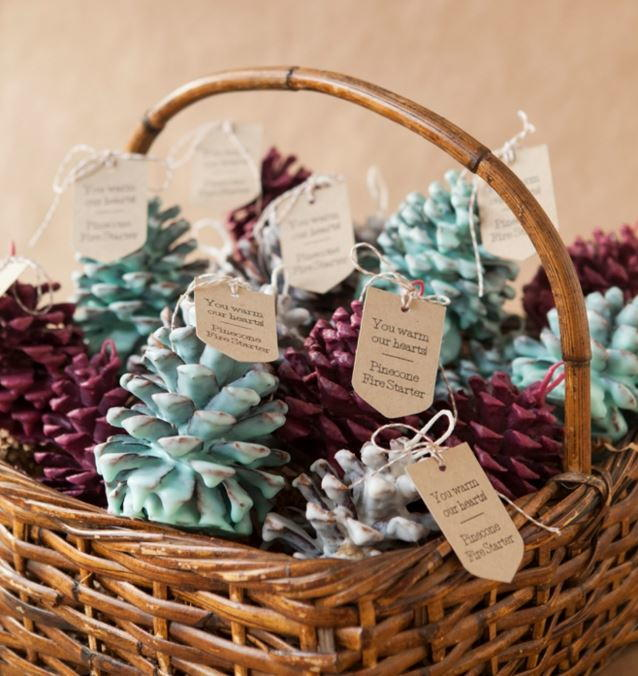 Make Your Own Wedding Favor Ideas: Winter Pinecone DIY Wedding Favors