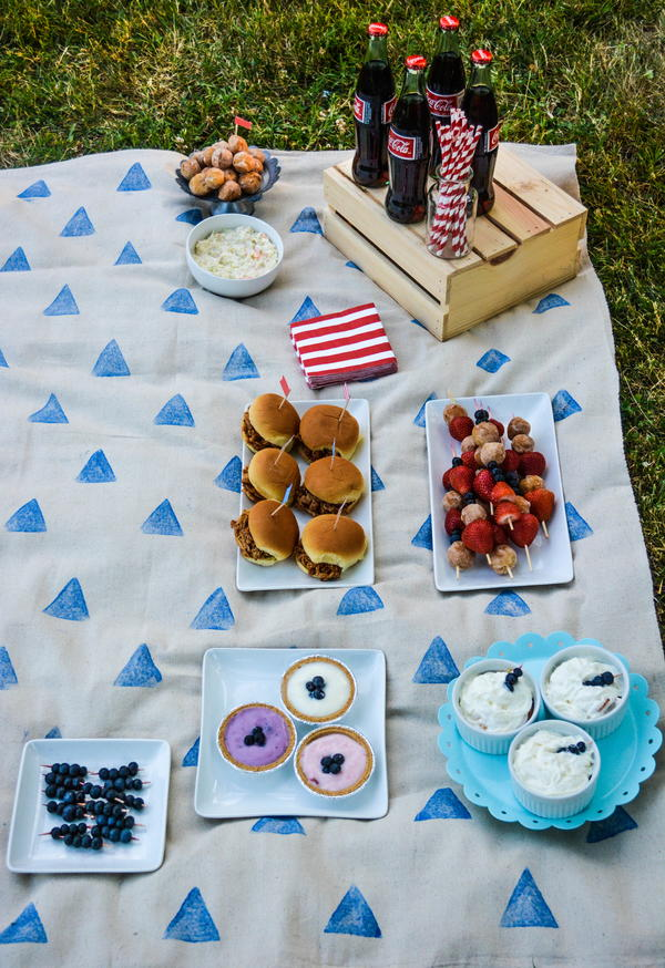 Easy DIY Picnic Blanket