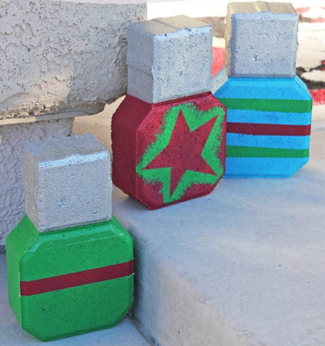 16 diy outdoor christmas decorations for Large christmas decorations
