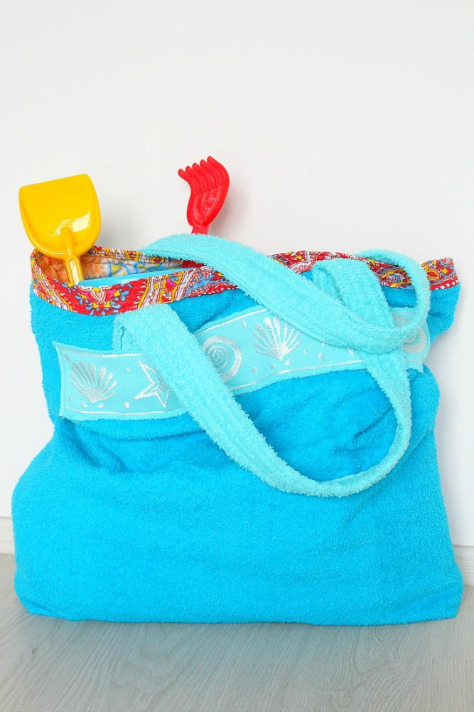 Easy Towel Beach Tote Bag Tutorial Allfreesewing Com