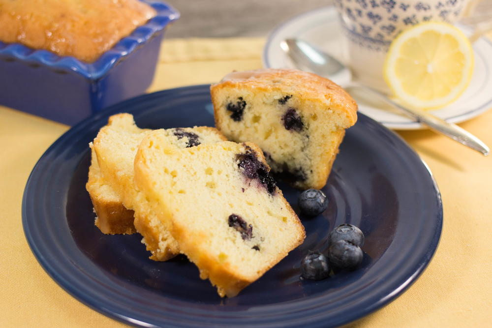 Favesouthernrecipes Com: Kentucky Butter Cake With Blueberries