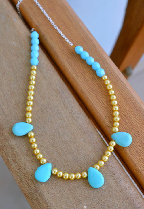 Sea-Inspired Elegant Pearl Necklace