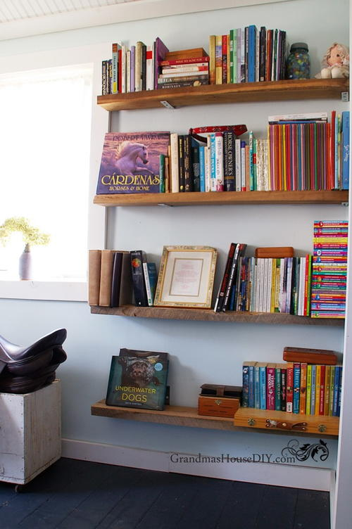 Easy DIY Barnwood Bookshelves