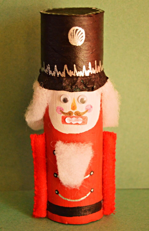 Nutcracker Toilet Paper Roll Craft: toilet paper roll centerpieces