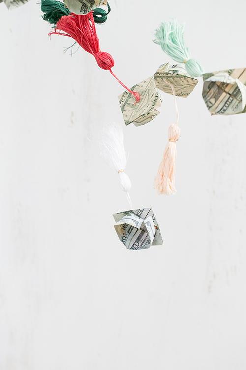 Origami Money Graduation Caps | AllFreeHolidayCrafts.com - photo#26
