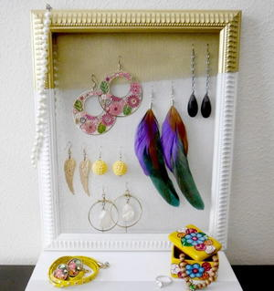 Framed Earring Organizer