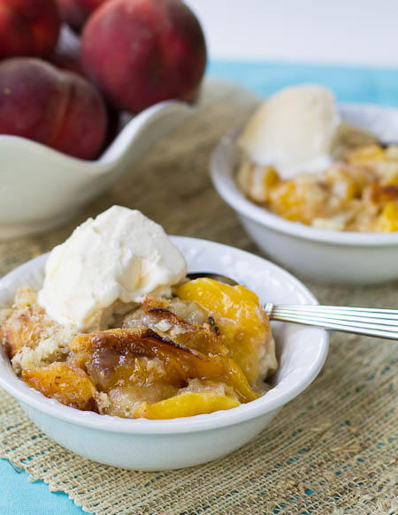 Slow Cooker Southern Peach Cobbler | FaveSouthernRecipes.com