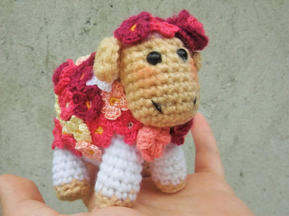 Flower Sheep Amigurumi AllFreeCrochet.com