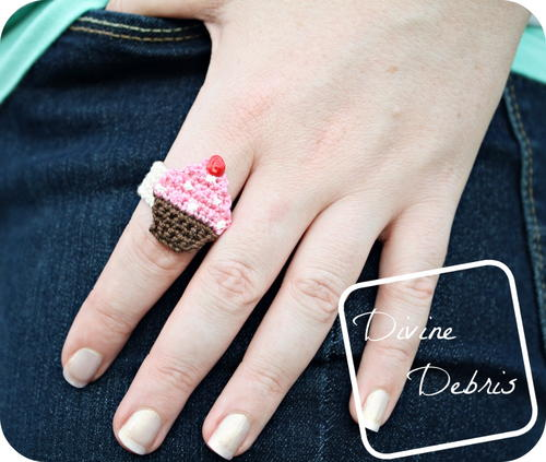 http://irepo.primecp.com/2016/06/285783/Chrissy-Cupcake-Ring_Large500_ID-1713264.jpg?v=1713264