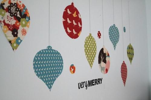 Xmas Wall Decoration Ideas: Funky DIY Christmas Tree