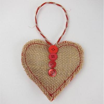 Sweet burlap heart ornament for Burlap fabric projects