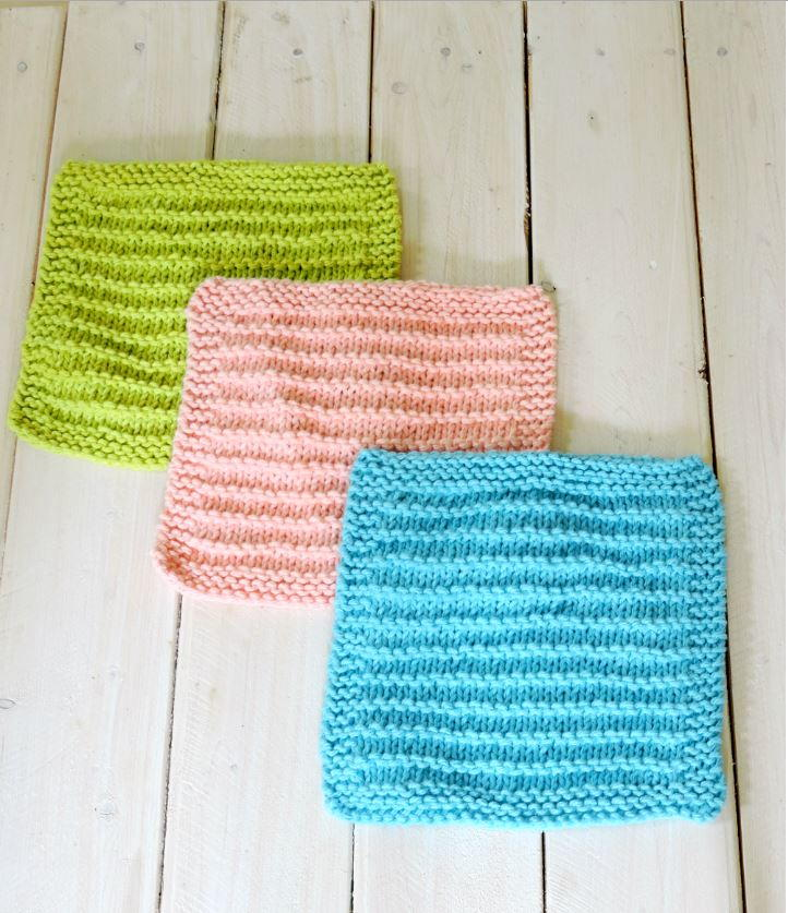 Simple Dishcloth Knitting Pattern : Easy Farmhouse Kitchen Dishcloths AllFreeKnitting.com