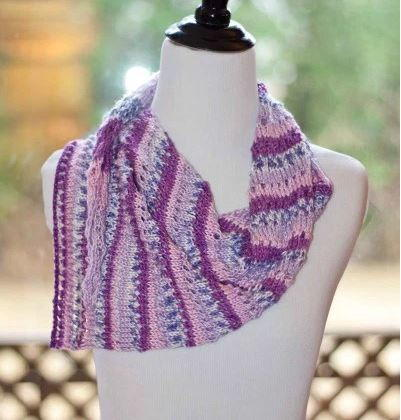 Fashion style Enthralling and Asymmetric infinity scarf pictures for girls