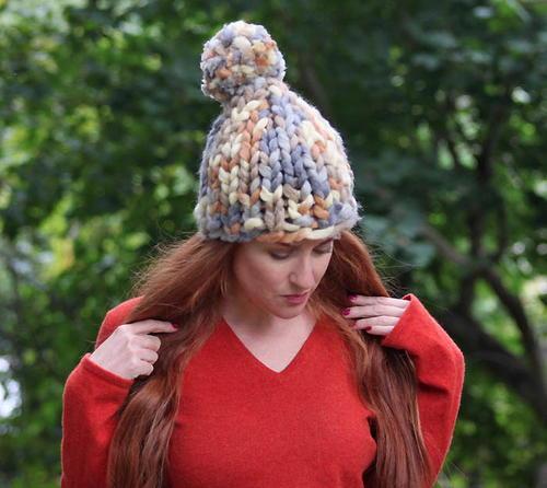 Pom Pom Hat Knitting Pattern : Easy Chunky Pom Pom Hat AllFreeKnitting.com