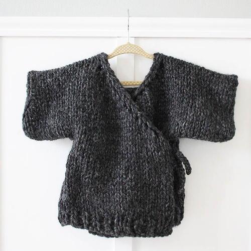 Dog Sweater Knitting Pattern Circular Needle : Chunky Sweater Coat Hoodie AllFreeKnitting.com
