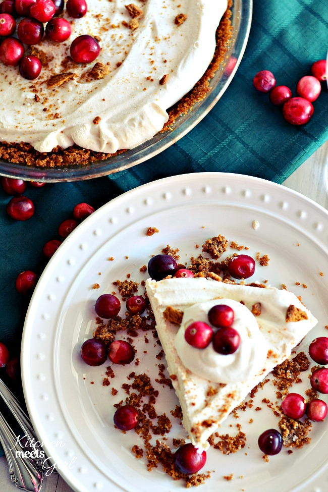 Skinny Eggnog Pie with a Gingersnap Crust | RecipeLion.com
