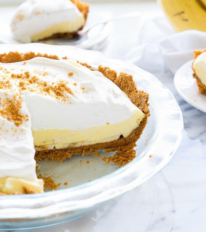Easy No Bake Banana Cream Pie Favesouthernrecipes Com