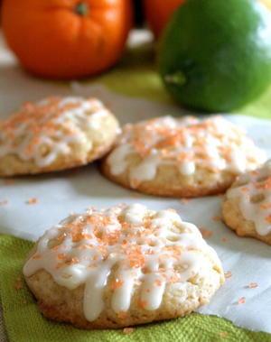 No-Bake Christmas Oatmeal Cookies | FaveSouthernRecipes.com