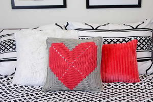 """I Heart You"" Crochet Pillow Pattern"