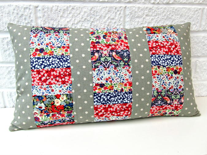 Three Panel Patchwork Cushions Favequilts Com