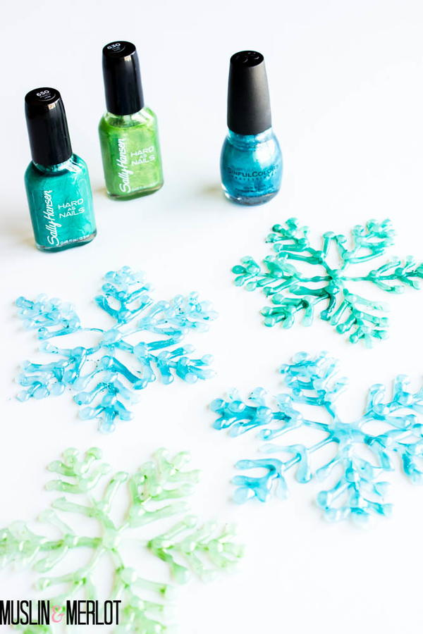 Snowflake Glue Gun Crafts