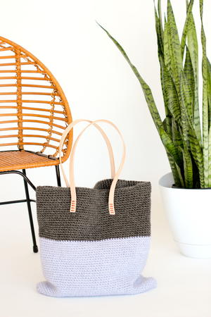 http://irepo.primecp.com/2016/08/294781/Leather-and-Crochet-Tote_Medium_ID-1815044.jpg?v=1815044