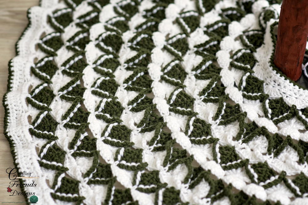 Christmas Pine Tree Skirt Allfreecrochet Com