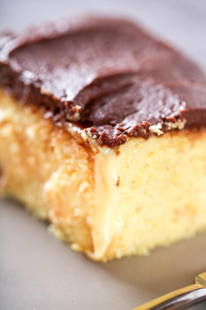 Boston Cream Poke Cake Recipe Thebestdessertrecipes Com