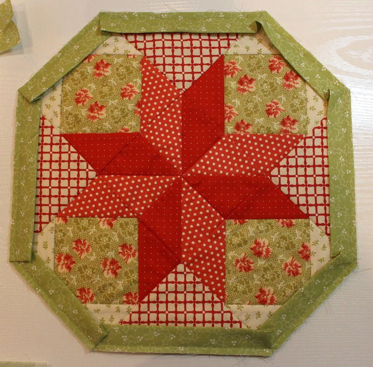 Christmas Tree Table Runner Quilt Pattern: Christmas Cookie Table Topper