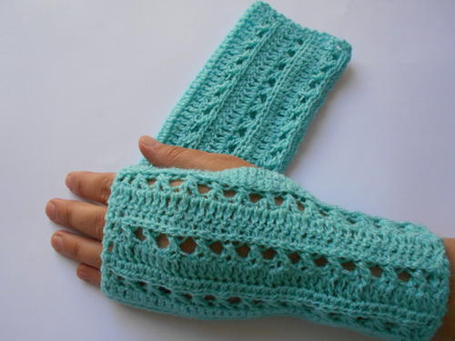 Crochet Gloves Pattern FaveCrafts.com