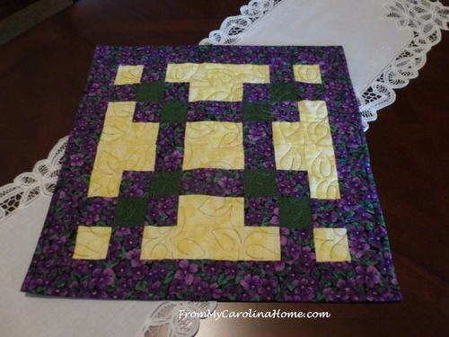 Quick Squares Table Topper Favequilts Com
