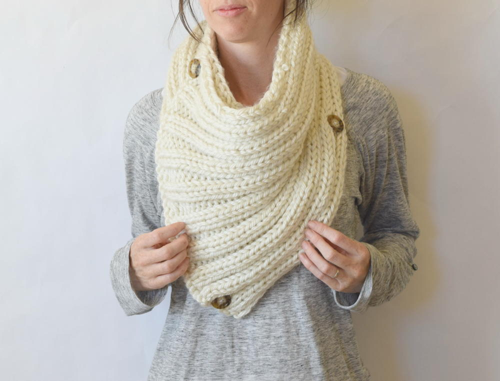 Two Ways Giant Knit Cowl Allfreeknitting Com