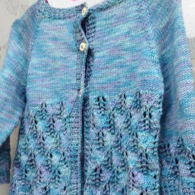 Knit Leaf Pattern Baby Sweater : Lacy Leaf Baby Cardigan AllFreeKnitting.com