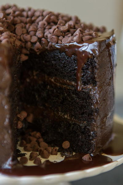 Chocolate Lover S Layer Cake Favesouthernrecipes Com