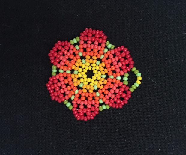 Beaded Peyote Stitch Flower Pendant Allfreejewelrymaking Com
