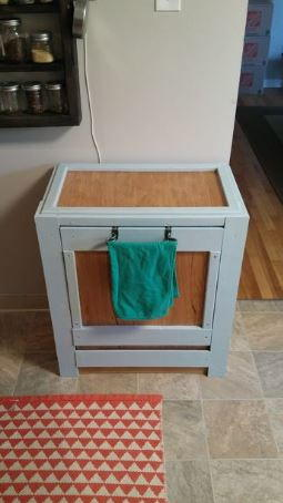 diy trash bin pallet cabinet. Black Bedroom Furniture Sets. Home Design Ideas