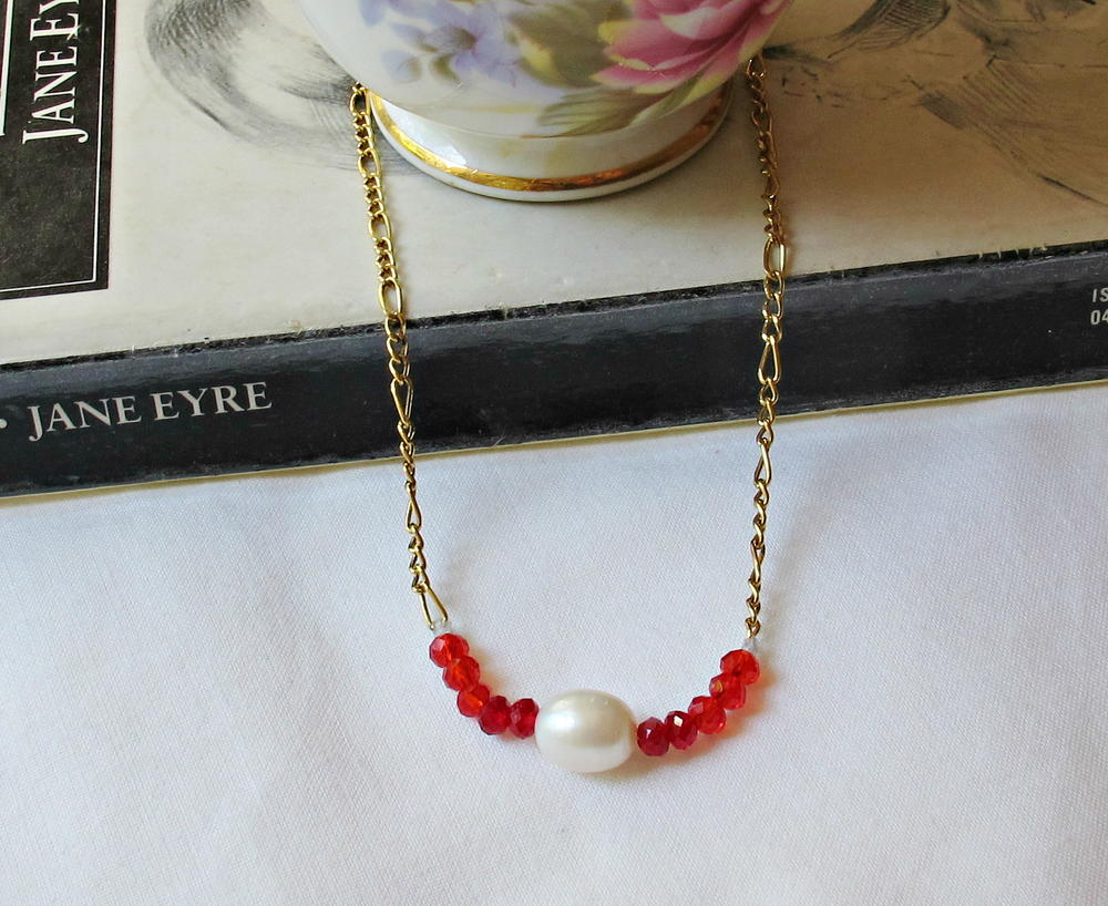 Sundance Inspired Kisses And Hugs Diy Necklace