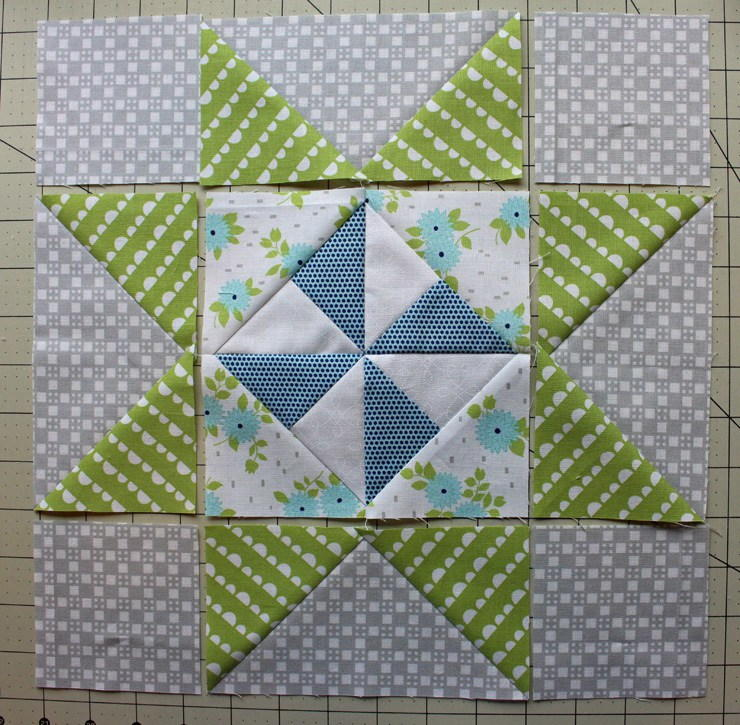 Danish Pinwheel Star Block Tutorial Favequilts Com