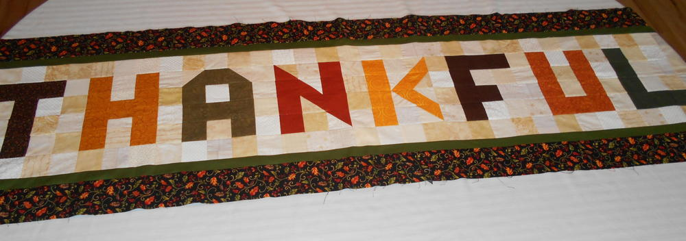 Thanksgiving Table Runner Pattern Favequilts Com