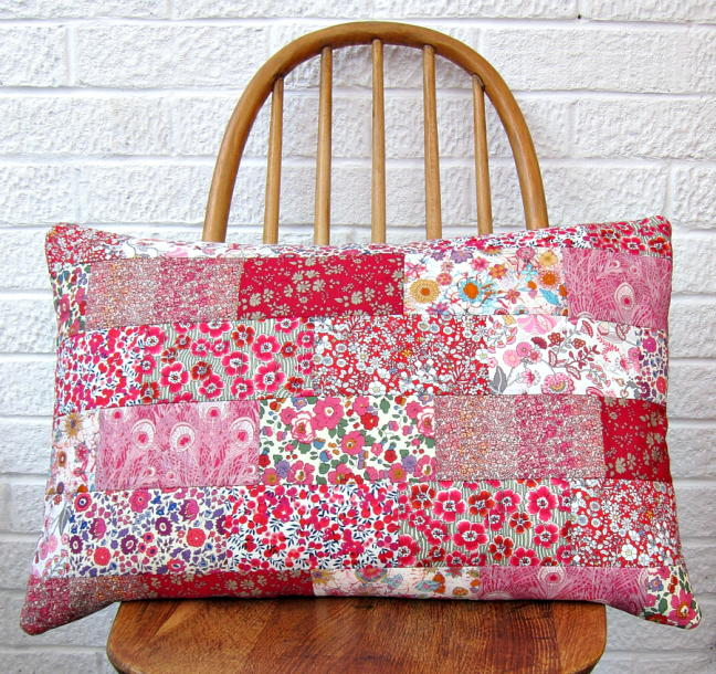 Valentine S Patchwork Cushion Tutorial Favequilts Com