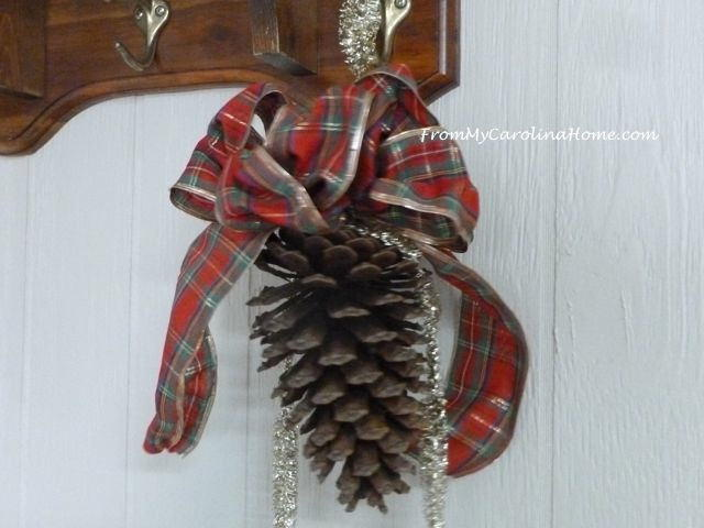 Holiday pine cone hanger for Large christmas pine cones