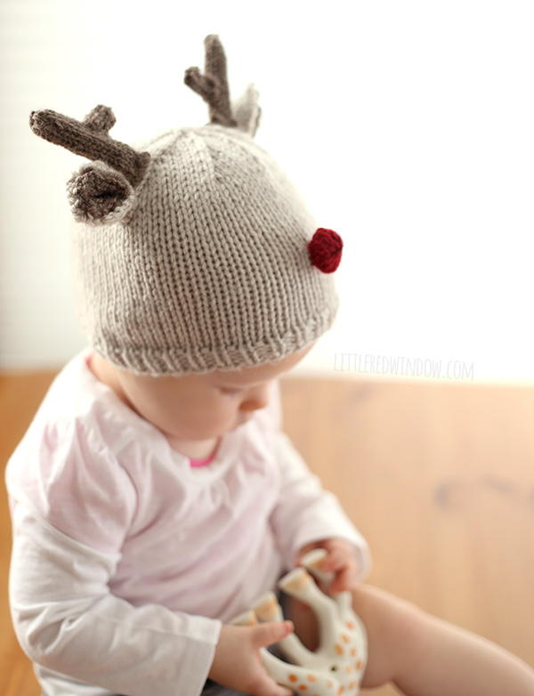 Tiny Baby Knitting Patterns Free : Tiny Reindeer Hat Knitting Pattern AllFreeKnitting.com