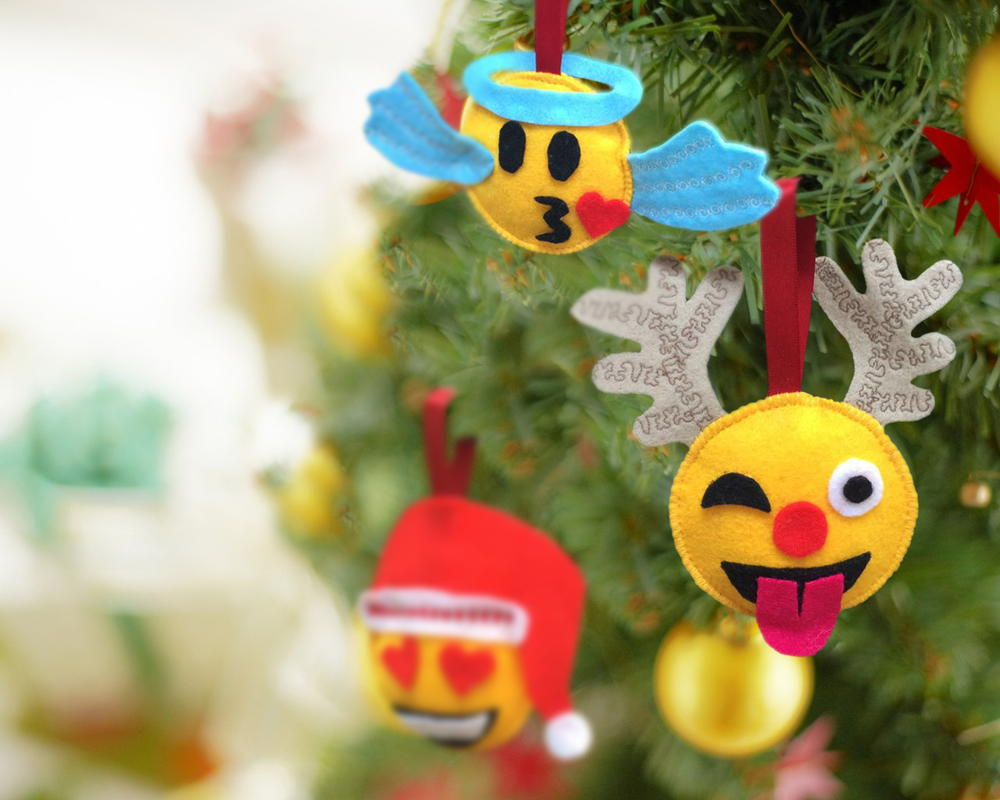 Christmas Emoji Diy Ornaments Allfreesewing Com