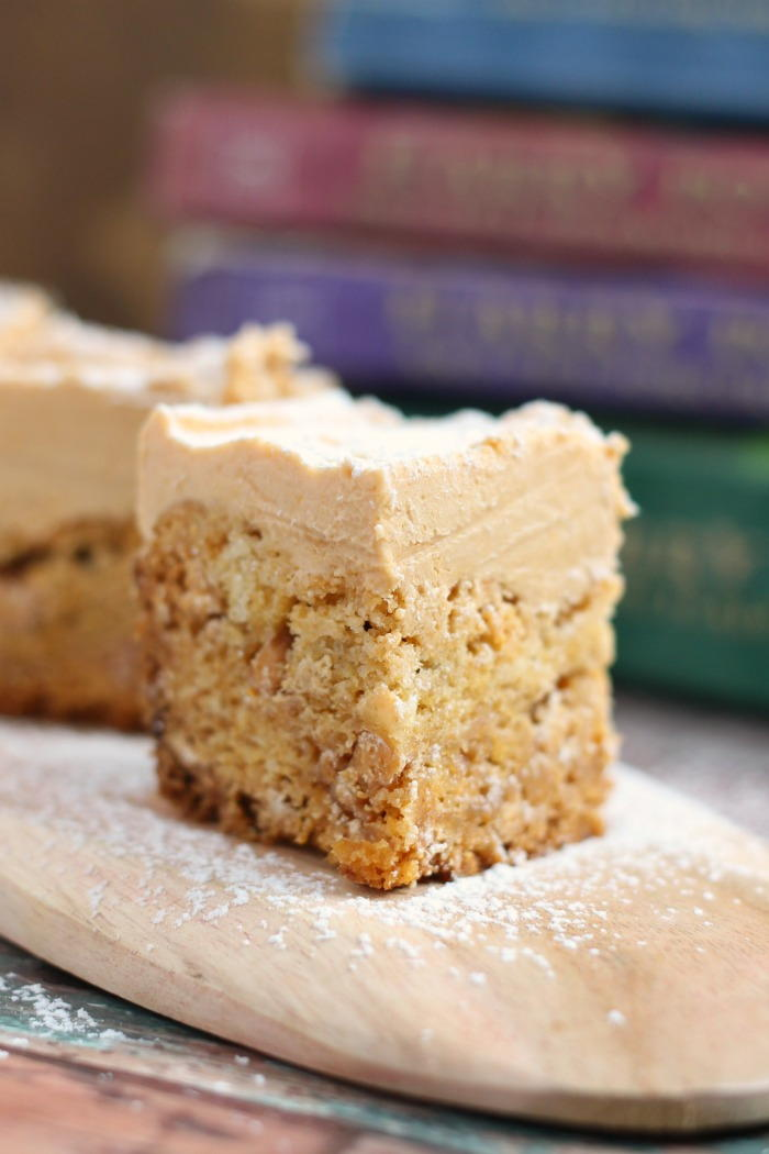 Butterbeer Fudge Topped Blondies | TheBestDessertRecipes.com