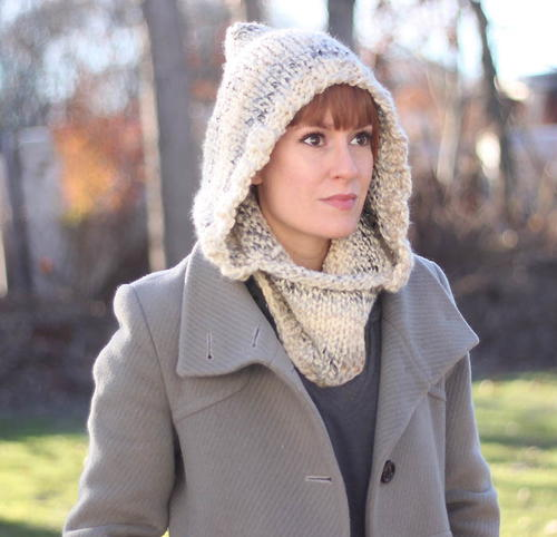 Free Knitting Patterns For Cowls Hoods : Winter Wine Hooded Cowl AllFreeKnitting.com