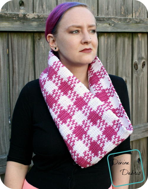 Laura Gingham Cowl Pattern