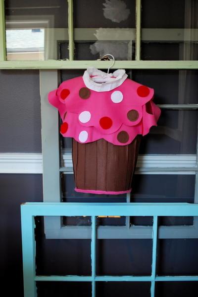 23 amazing halloween costume ideas to make at home for Easy halloween cakes to make at home