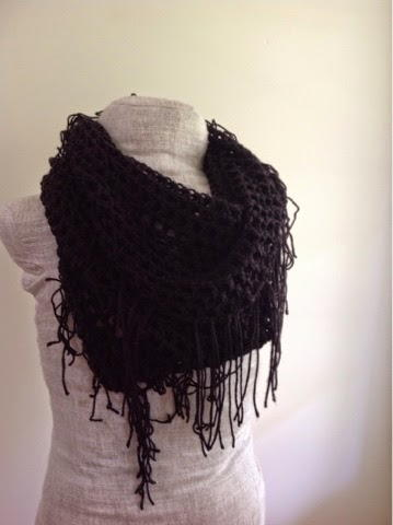 Free Crochet Pattern For Infinity Scarf With Fringe : Lots of Fringe Infinity Scarf AllFreeCrochet.com
